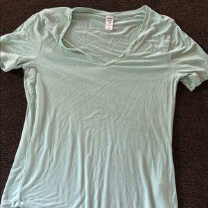 Tops - old navy t-shirt